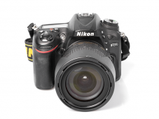 Фотоапарат Nikon D7200 тяло + Обектив Nikon AF-S DX Nikkor 18-105mm f/3.5-5.6G ED VR