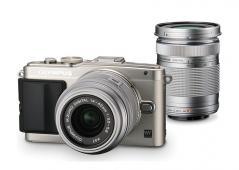 Фотоапарат Olympus E-PL6 Pen (Silver) kit 14-42mm II R (Silver) + 40-150mm ED R (Silver)